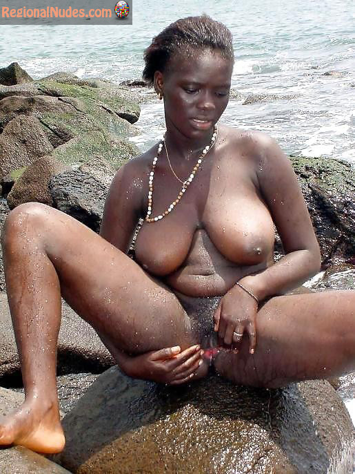 African Ladies Nude 45