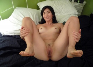 Nude Filipino Woman Fuck Pose Smiling