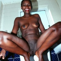 Real Ethiopian Naked Woman Squatting