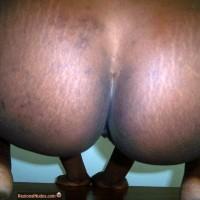 Big Black Round Buttocks Squatting from Ghana