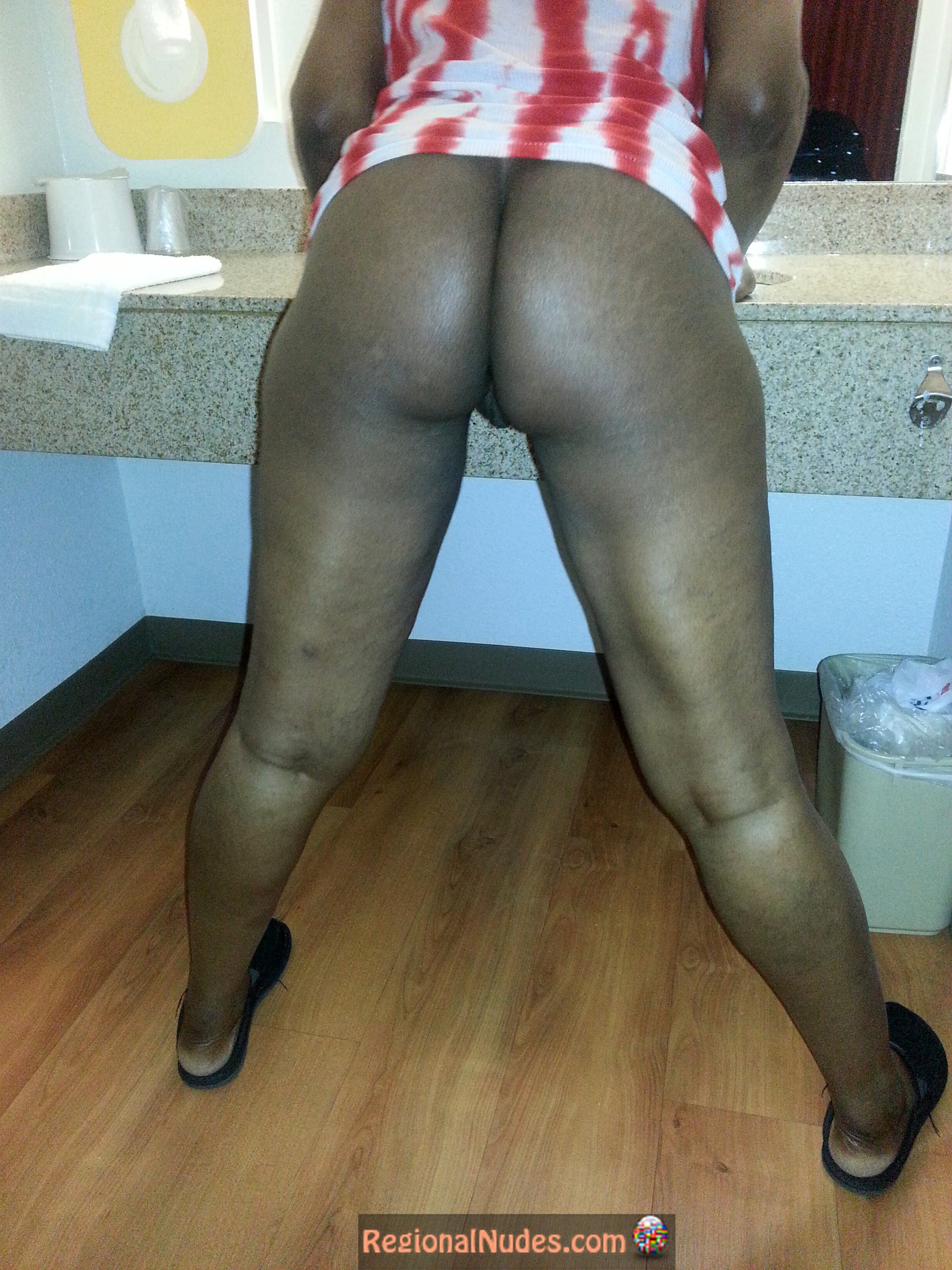 Black Jamaican Woman Buttocks Bent Over  Regional Nude -4414