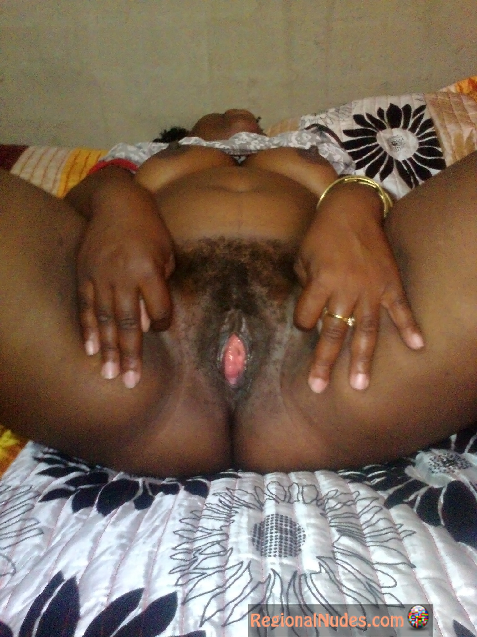 Fat Nigerian Woman Spreading Vagina  Regional Nude Women -9159