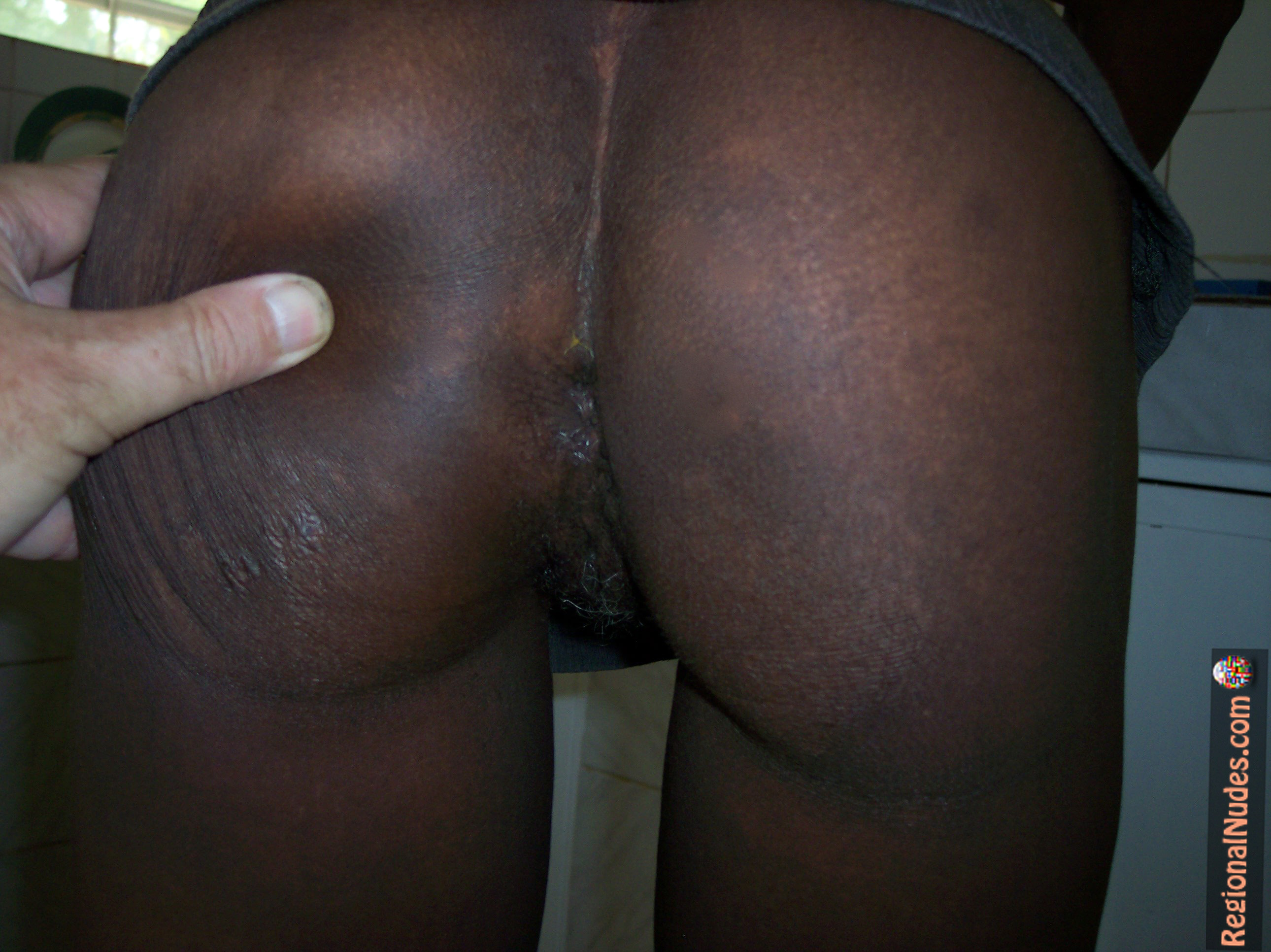big-anus-nude-with-girl-black-african