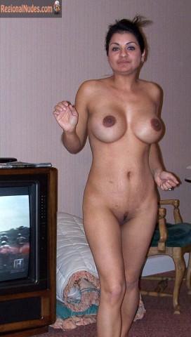 Pakistani Big Tits Naked Housewife