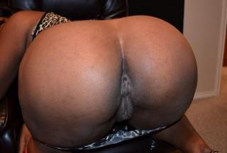 Curvy Nude American Ebony Bum