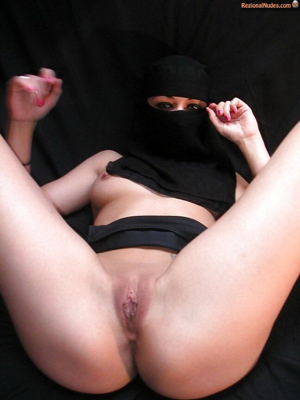 Nude arab woman in burka