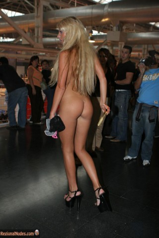 Beautiful Spanish Blonde Girl Butt in Public nude