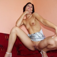 Naked Hungarian Milf Shaved Cunt Small Tits