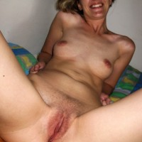 Nude Smiling Polish Wife