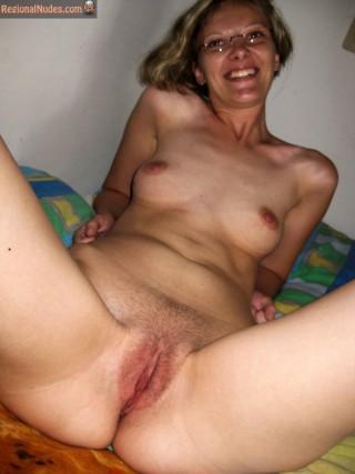 Nude Smiling Polish Wife
