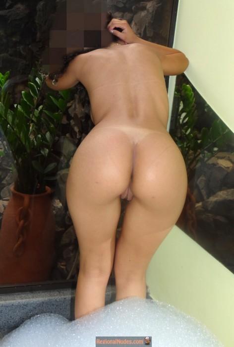 brazilian-bent-over-nude