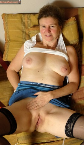 50 yo Belgian Wife Shaved Cunt and Breasts