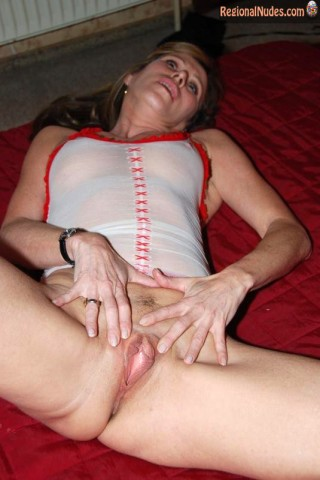 Belgian Housewife Spreading Vagina