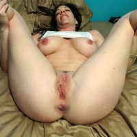Naughty British Housewife Posing Naked