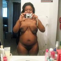 Tanzanian Housewife Nude Selfie