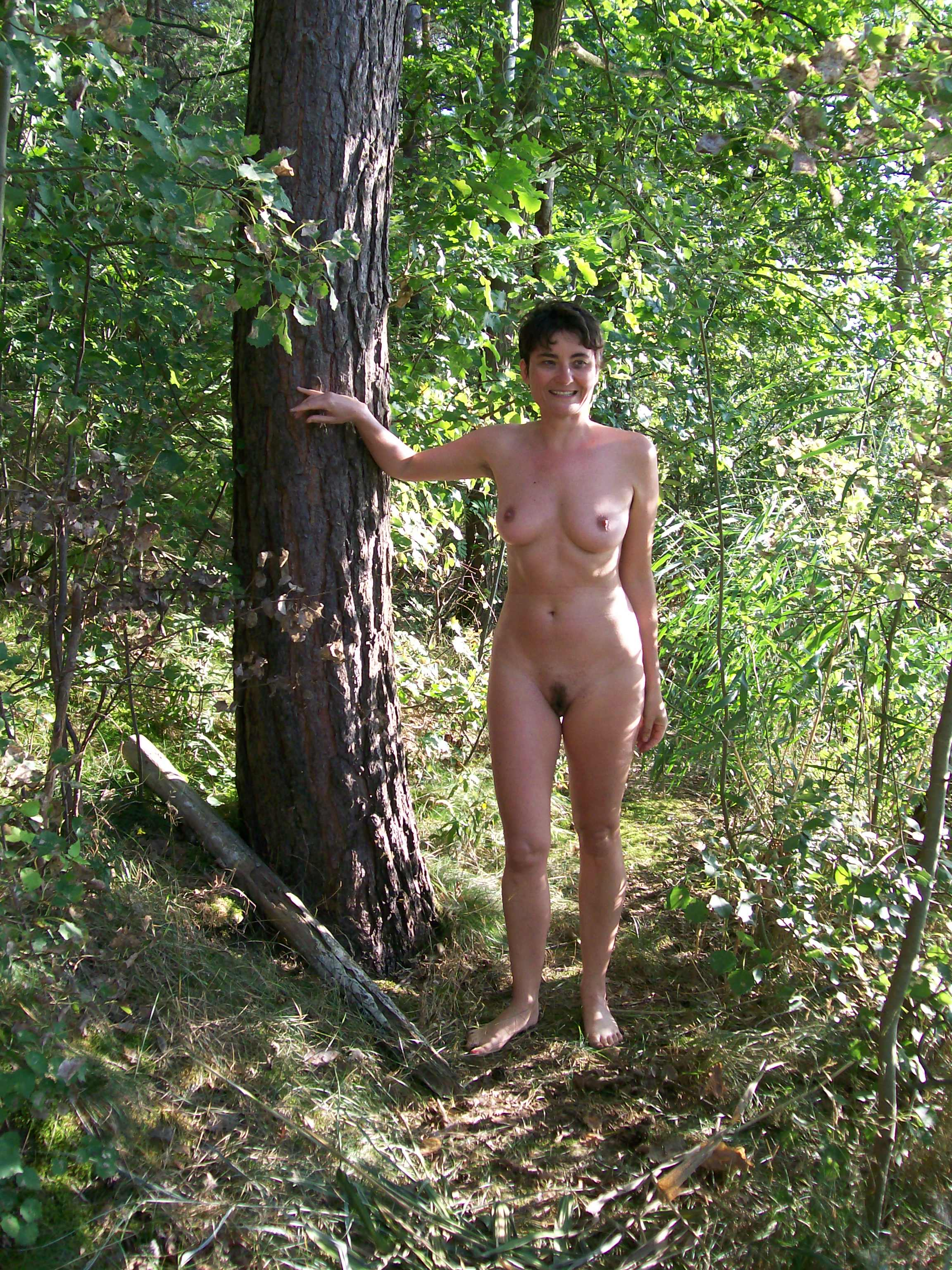 Nude male contest for women