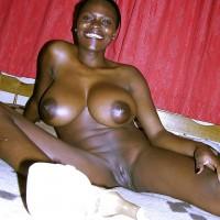 Beautiful Big Kenyan Tits Naked Woman