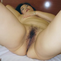 Naked South Korean Milf Hairy Cunt
