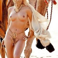 Nude Emirati Girl Desert Camel from United Arab Emirates