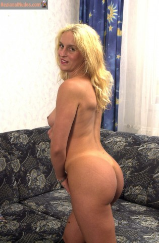 Nude Hungarian Lady Round Butt and Breast