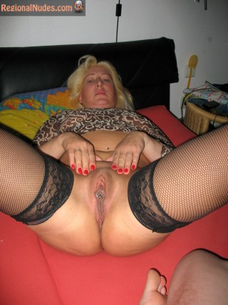 Sexy German Mother Shows Big Cunt