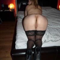 Flat Polish Rear End Nice Pussy & Stockings