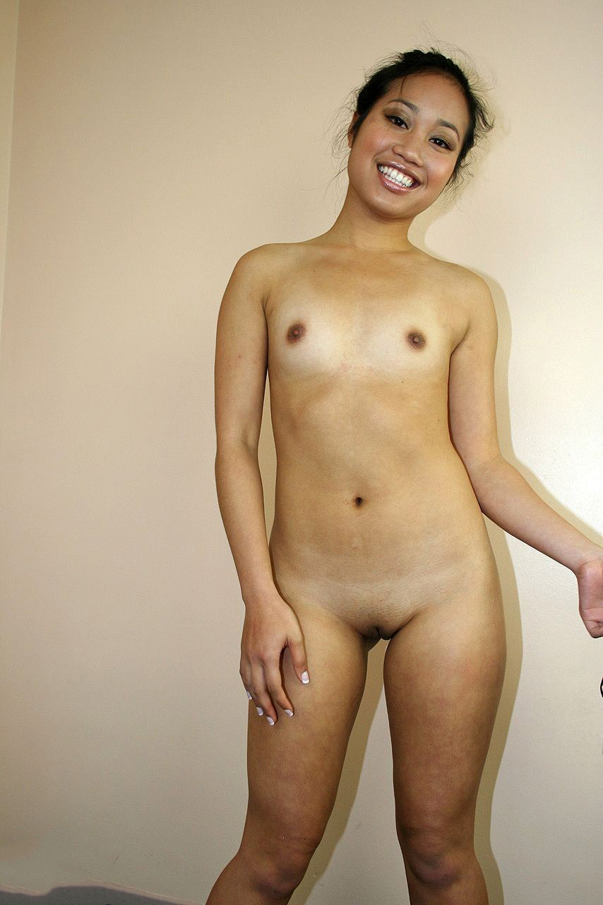 Nude Laotian Woman Happy  Regional Nude Women Photos -8709