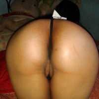 Saudi Arabian Woman Ass Thong Between Labia