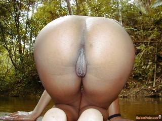 Trinidadian Booty Big Pussy Kneeling Outside