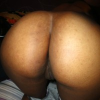 Australian Brown Booty Undressed Pussy