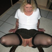 Sexy German Wife Cunt under Skirt