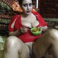 Chubby Yemeni Wife Candid Pussy