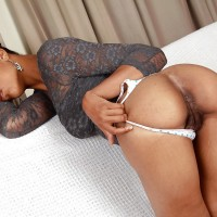 Hot Eritrean Girl Bends Over Revealing Booty & Pussy