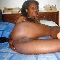 Naked Papua New Guinean Girl Butt & Pussy