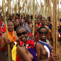 Group of Topless African girls Tribe in Swaziland