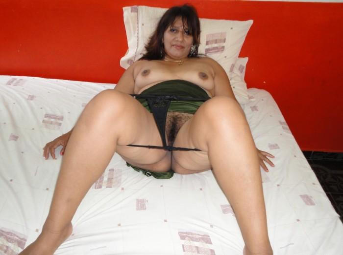 sexy nude romanian women