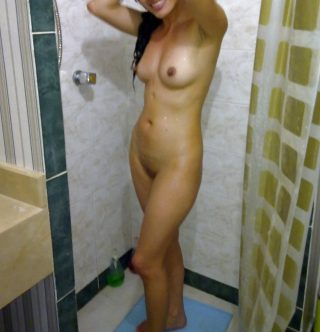 Ecuadorian Girlfriend Naked in Bathroom