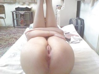 Hot Iranian Shaved Pussy Round Butt Legs Up