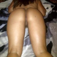 Kuwaiti Naked Girlfriend Ass & Pussy Laying Down
