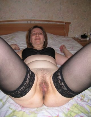 Russian Mom Showing Fleshy Trimmed Pussy