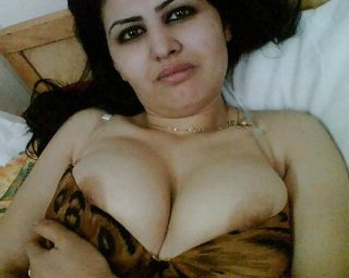 Arabian Wife Undressing Breasts from United Arab Emirates