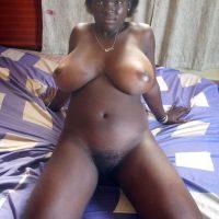busty-black-naked-african-ugandan-girl