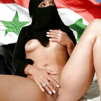 naked-beautiful-syrian-woman-with-niqab