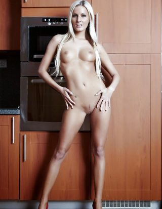 tall-nude-bonde-girl-from-norway