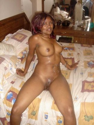 Nude South African Bitch on Bed