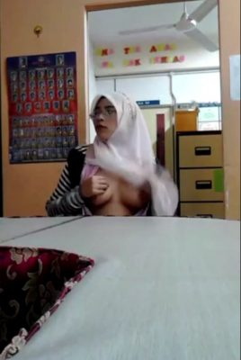 Nice tits Malaysian Hijab woman showing her boobs Nude Video