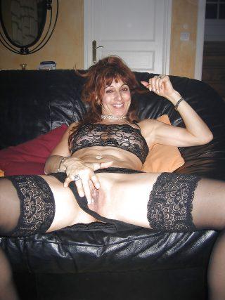 Nasty Georgian Mother Flashing Pussy