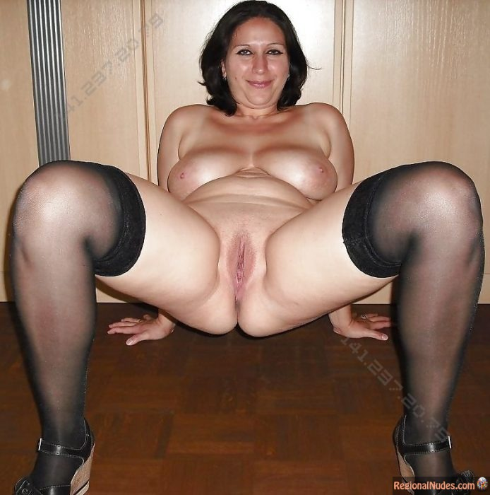 Chubby Wife from Greece Posing Naked