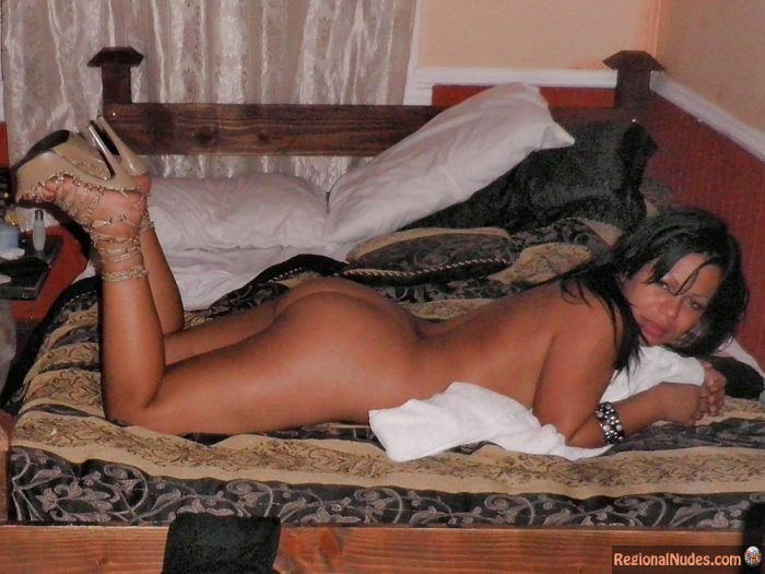 Costa Rican Naked Wife from Behind