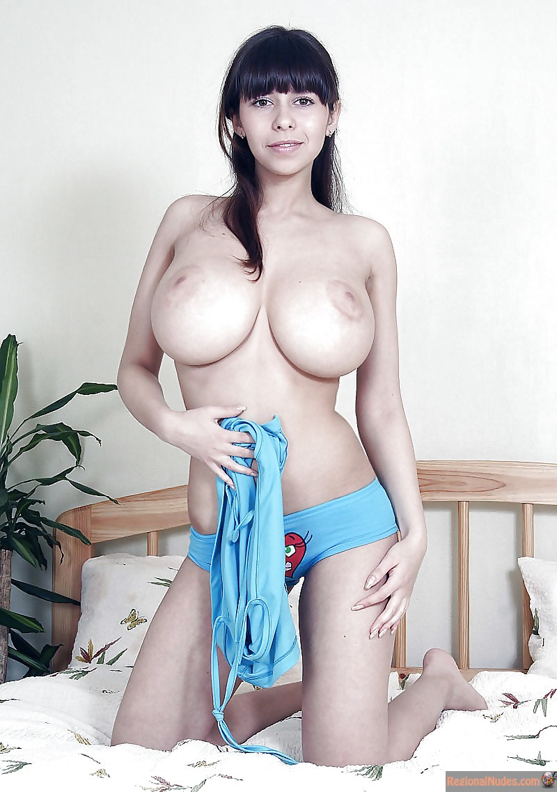 naked egyptian girls with big boobs
